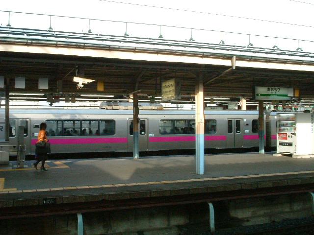 54)青森駅の朝.JPG