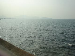 DSC00381ヤ窓の海50%.JPG