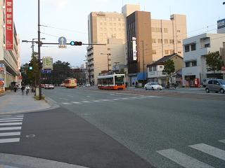 DSC00395愛媛新聞ミ交差点50%.JPG